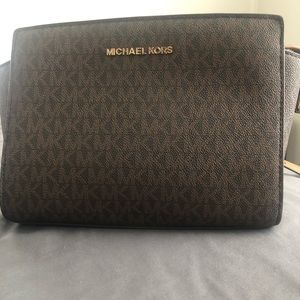 Micheal Kors small purse